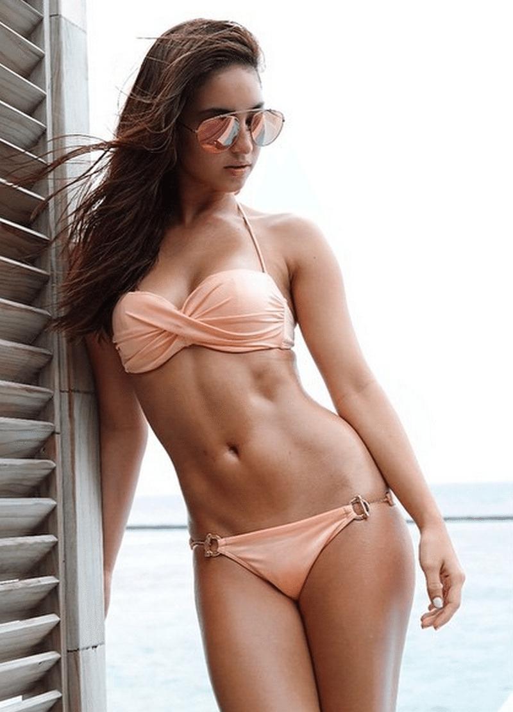 Sexy-Coleen-Garcias-abs