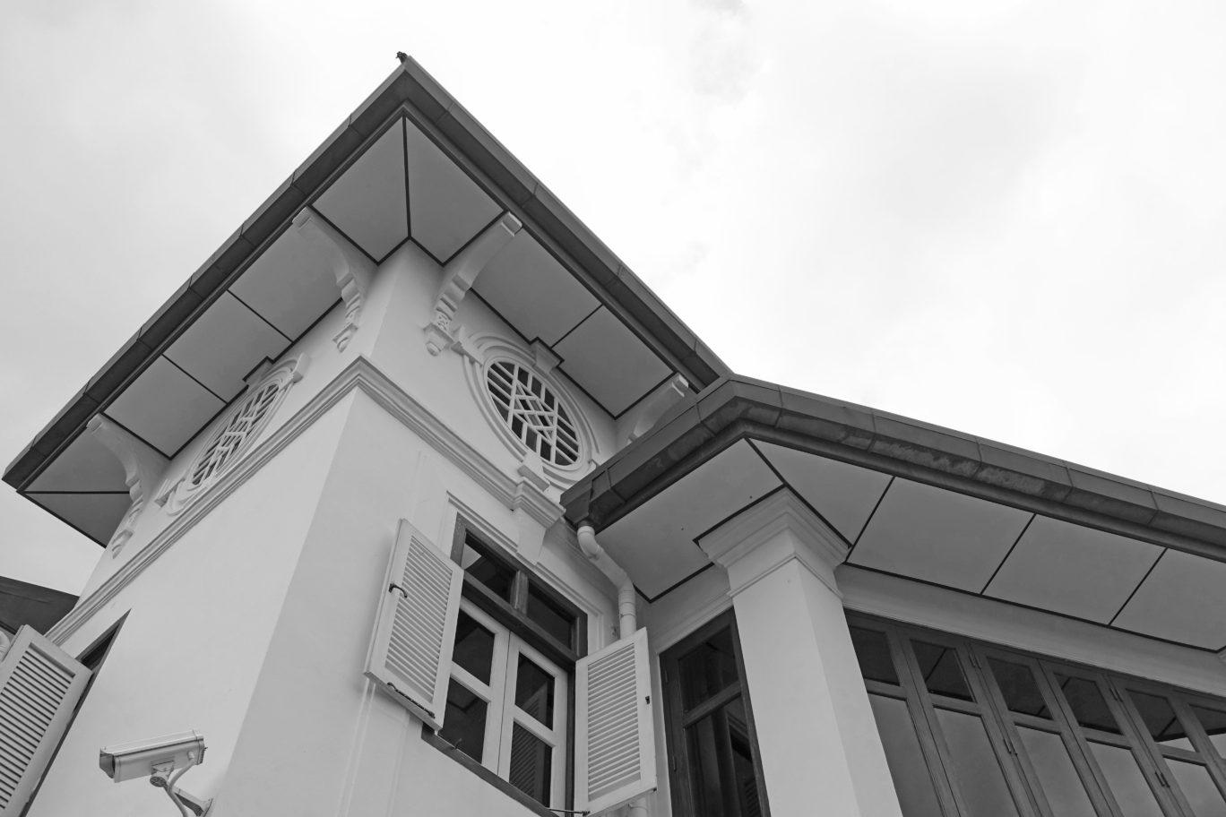 alkaff mansion ristorante singapore building ceiling