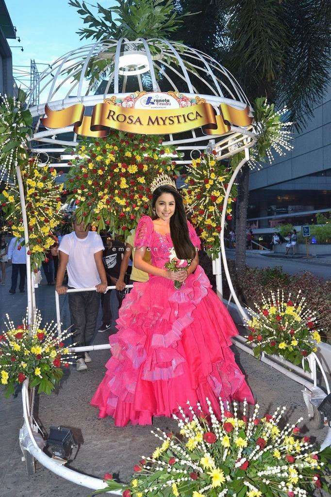 julia baretto rosa mystika flores de mayo