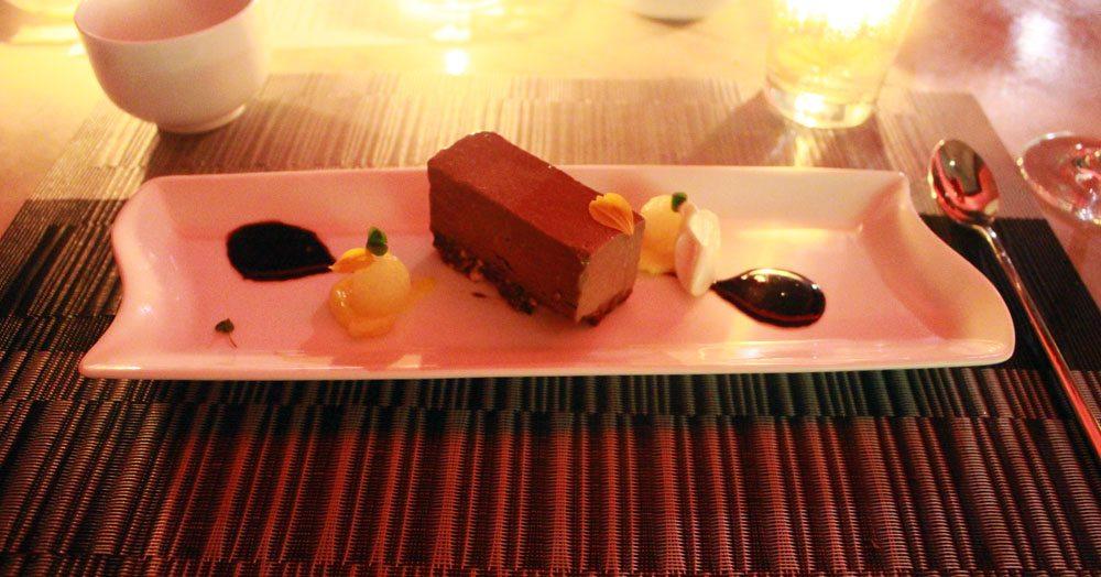 qiwellness living tagaytay dinner dessert cake