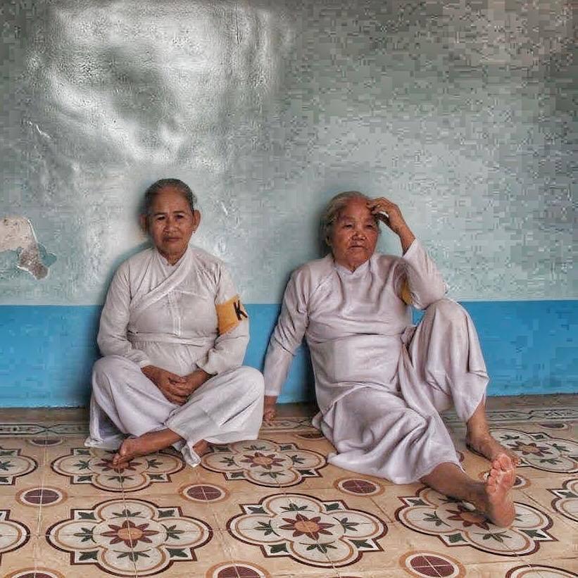 cao dai vietnamese prayer saigon