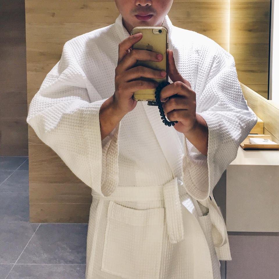 purovel spa swissotel merchant court singapore clark quay massage selfie pic