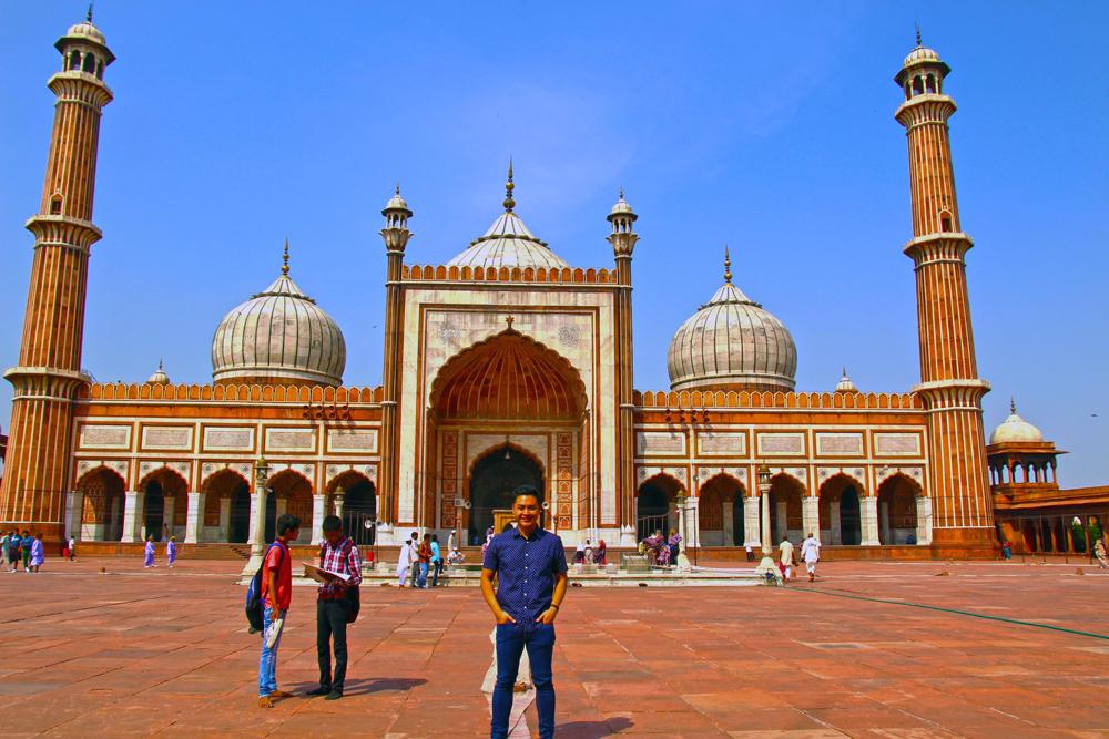 muslim-mosque-delhi-jama-masjid-solo-tour-interiors-facade-pic