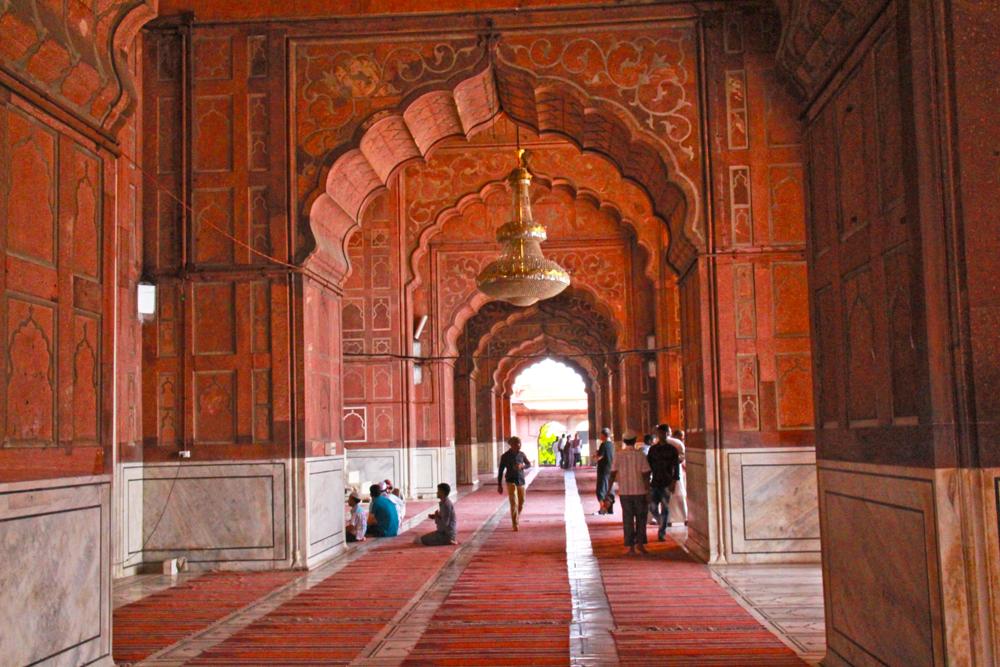 muslim-mosque-delhi-jama-masjid-solo-tour-interiors