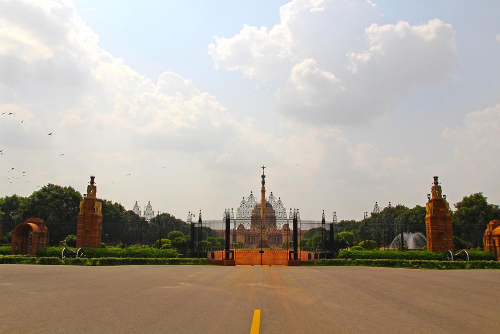 palace-delhi-india