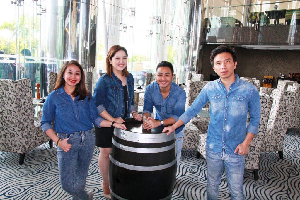 random republika bloggers at acacia hotel manila steakhouse