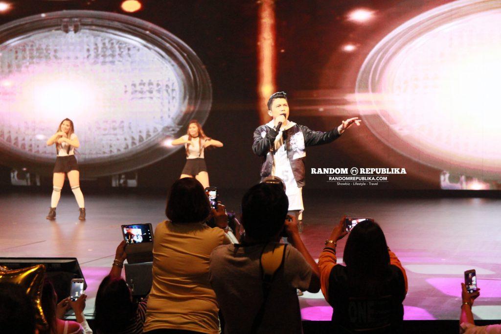 vhong-navarro-performs-concert-singapore-resorts-world-theatre-sentosa-kabayan-lets-go-10