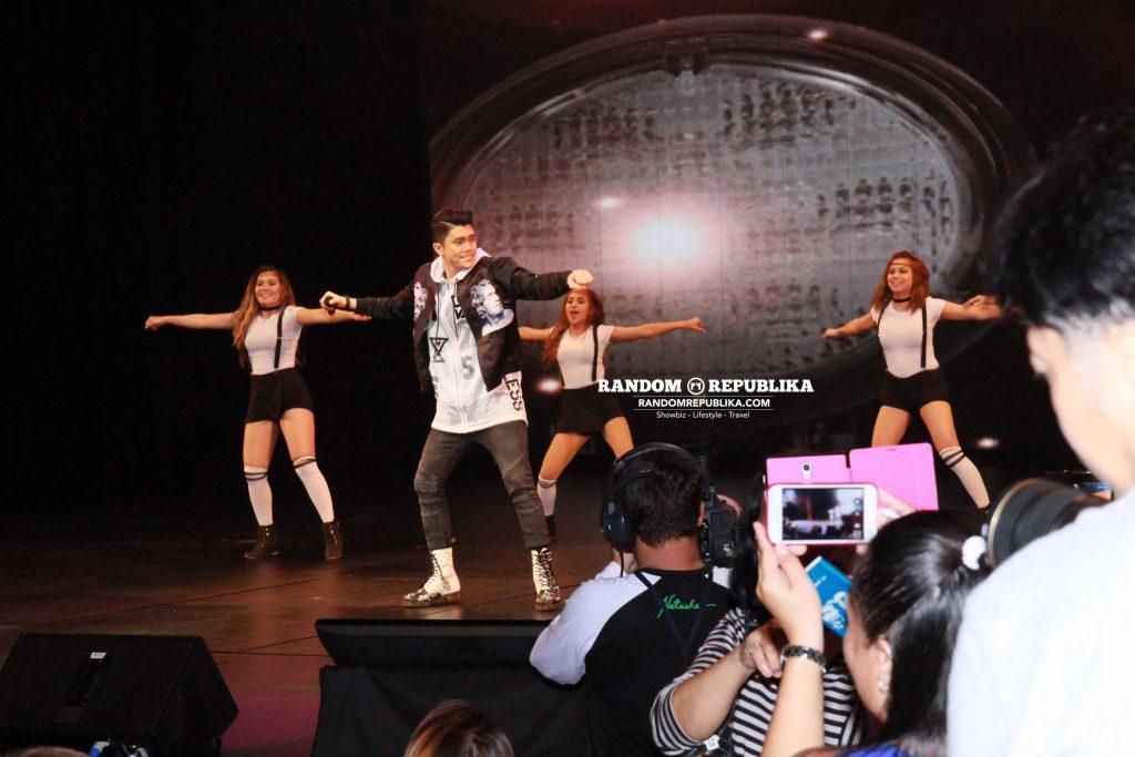 vhong-navarro-performs-concert-singapore-resorts-world-theatre-sentosa-kabayan-lets-go-4