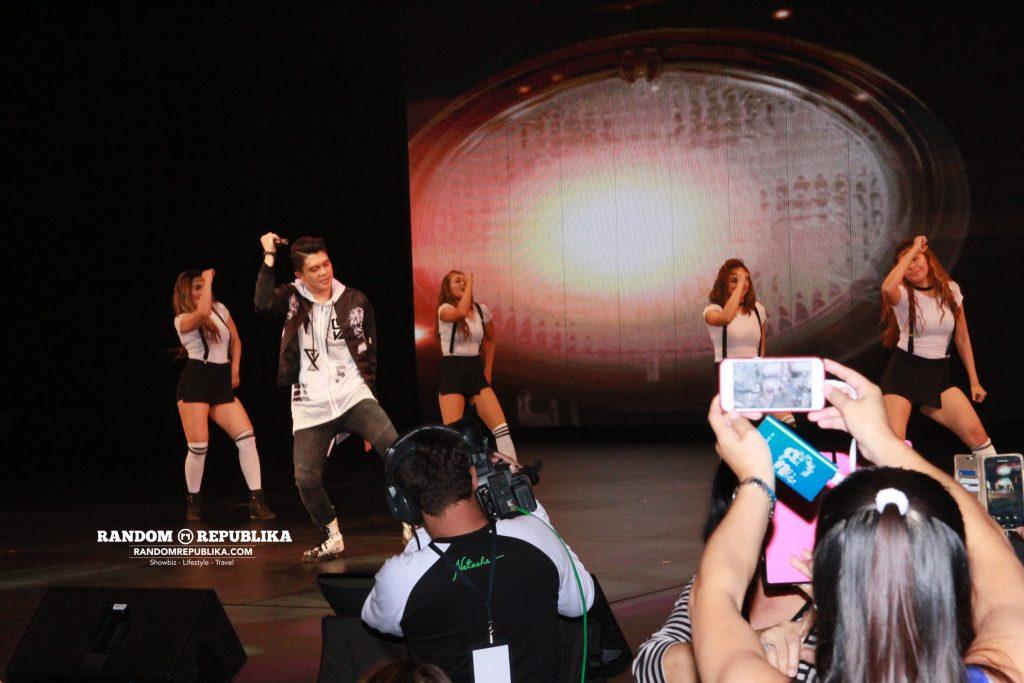 vhong-navarro-performs-concert-singapore-resorts-world-theatre-sentosa-kabayan-lets-go-7