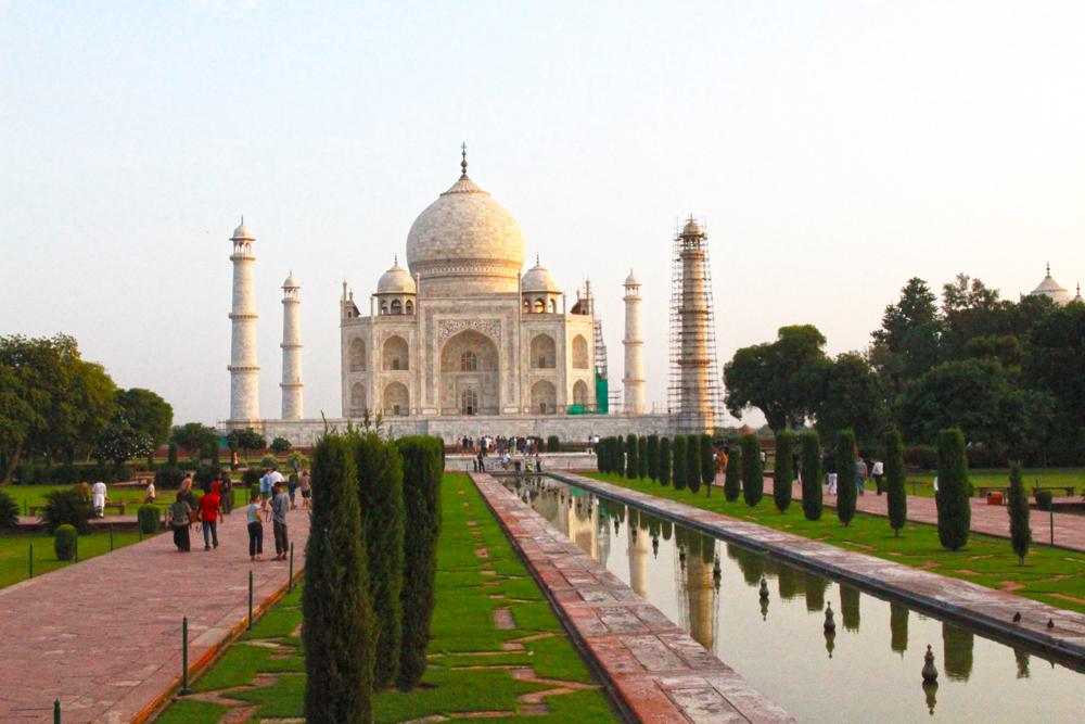 taj-mahal-agra-india-garden-walkway-entrance
