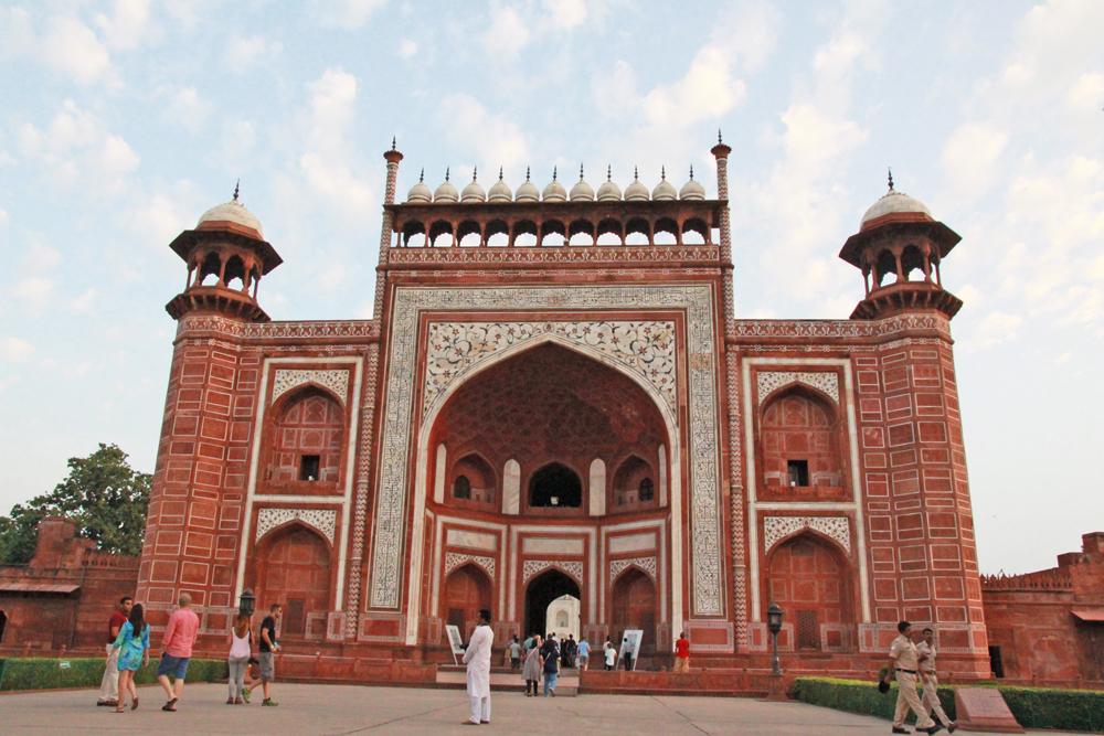 taj-mahal-edited-gate-entrance