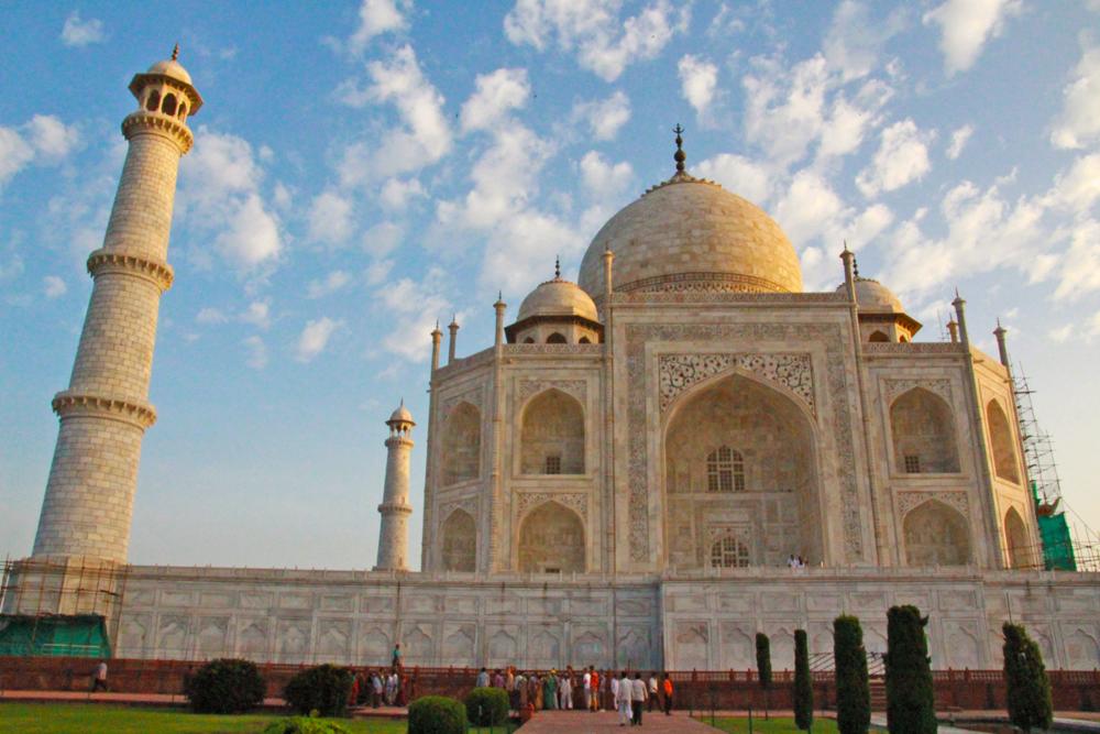 taj-mahal-mumtaz-history-india-agra-wonders-of-the-world