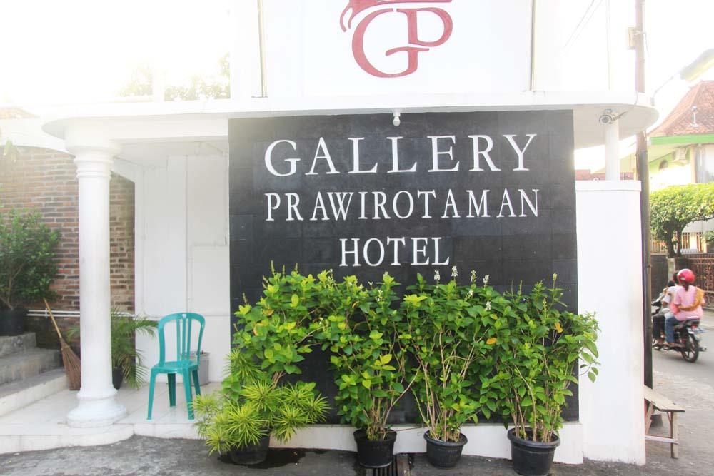gallery-prawirotaman-hotel-yogyakarta-indonesia-hotel-facade