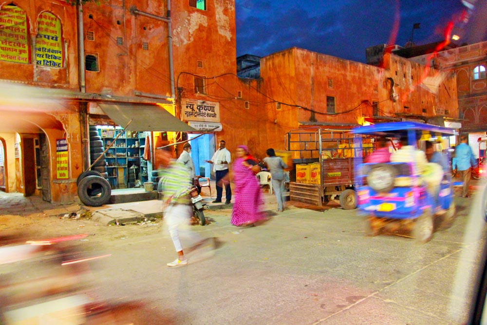 jaipur-at-night-india-street-photography-colorful